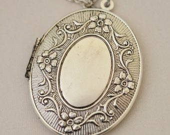 Jewelry,Locket, Large Oval Silver Locket, Locket,Flower Locket,Wedding Necklace,bridesmaid necklace