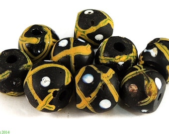9 Venetian Trade Beads Matched Blacks and Yellow African 85638