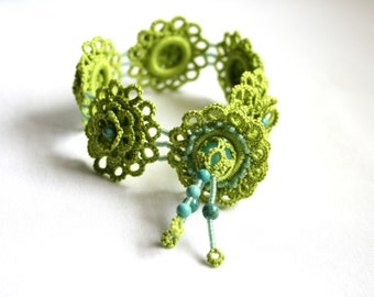Apple Green Tatting Flower Beaded Fiber Handmade Bracelet