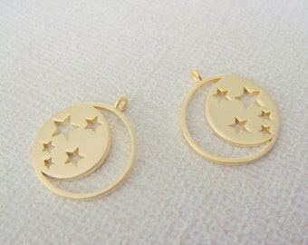 Moon Pendant, Matte Gold Crescent Moon and Stars Pendant, Charm,  Jewelry Findings, 2 pc, S815937