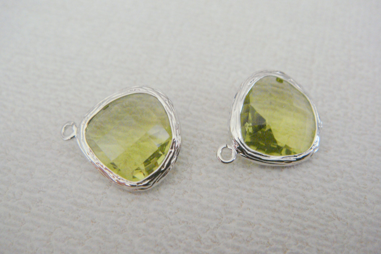 jewelry supplies silver glass pendant peridot green charm
