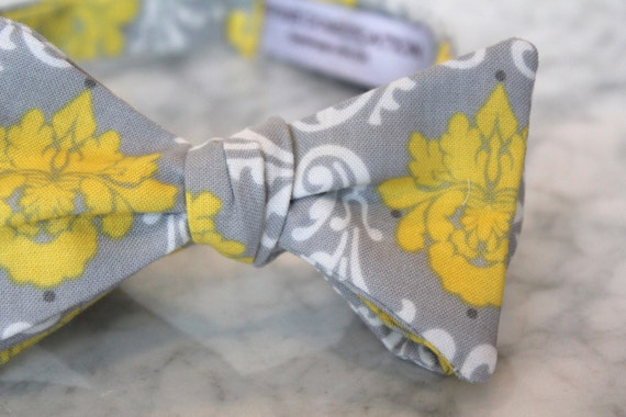 Bow tie in yellow and gray damask - Groomsmen and wedding tie - clip on, pre-tied with strap or self tying