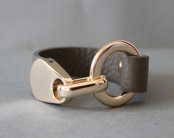18k Plated Ring Closure Soft Shrunk Leather Bracelet(Khaki)