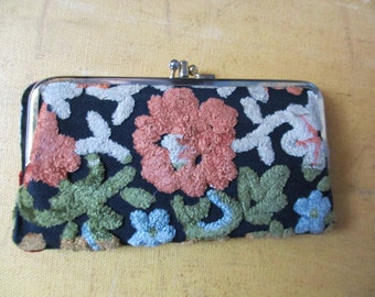 60's Vintage Tapestry Chenille Floral Clutch Purse