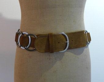 Vintage Italian designer Caractère tan suede and chrome ring wide boho belt Sz M