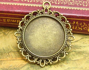 10 pcs Cameo Settings Pendant Trays Pendant Blanks Picture Settings Can Hold 21x21mm Cabochon CH2082