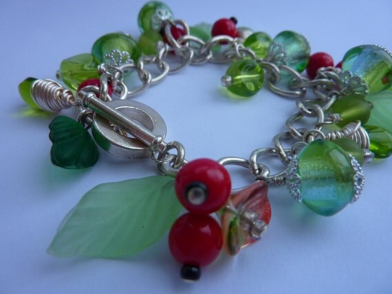 SALE Bracelet: chunky winter charms of leaf and berry