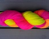 Hand-gefärbt Glowstick Partei Fingersatz Socke / 4-lagige Garne - wolle Superwash und Nylon