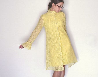 Lace Shift Dress - 1960s Set with Matching Jacket - Vintage Elinor Gay - Yellow Floral Mini Dress - Extra Small XS / Small S
