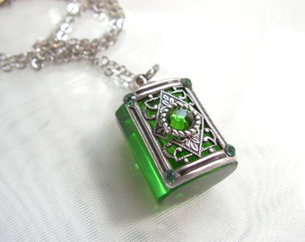 Emerald Green Crystal And Silver Perfume Or Essential Oil Bottle Necklace