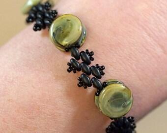 Yo-yo sage green glass Lampwork bead bracelet