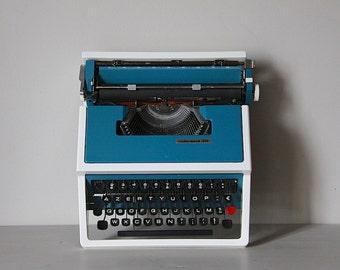 Vintage Manual Typewriter Blue Underwood 315 Olivetti Portable Typewriter with Case