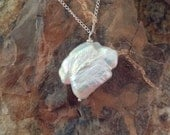 Large Baroque Pearl Pendant/necklace