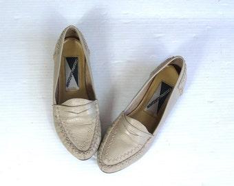 vtg 80s taupe SOUTHWESTERN leather MOCCASINS flats 6 loafers boho shoes