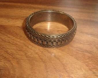 vintage bracelet bangle textured goldtone