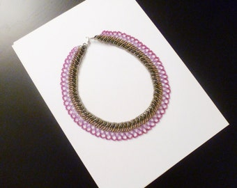 Necklace collar with green, pink and purple beads