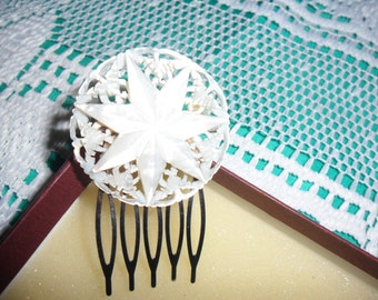 Authentic Vintage Beautiful Hand Carved Mother Of Pearl Hair Comb