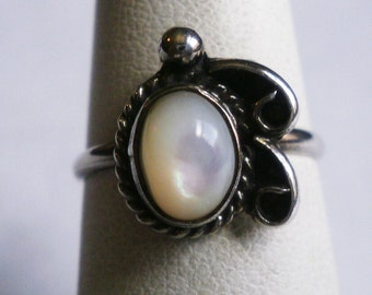 Sterling Silver Mother Of Pearl Ring-Size 5 1/4