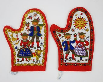 2 Vintage Pot Holder with Red Blue and golden Folk Pattern and Recipe 1970