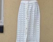 White Lace 70s Boho Skirt // Knee Length // Summer // Hippie // Country // Folk Skirt- size small