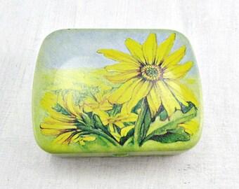 Vintage Hinged Tin Box / Pill Box, Yellow Daisy Flowers, Decorative Tin Pill Box, Small Metal Tin Pill Box, 1980s Vintage Collectible Tin