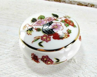 Vintage Porcelain Pill Trinket Box, PORTUGUESE Ceramic Ring Dish, Small Flower Foral Pill Box, 1980 French Country Cottage Chic Decor