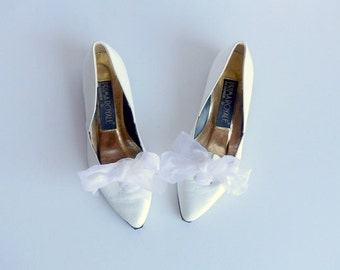 Vintage 80s Pointy Toe Flats Shoes White Leather Pixie Slip on Chiffon Bow Party Wedding Lace up Smoking Kitten Heel / Sz 5.5 Eu 36 UK 3.5