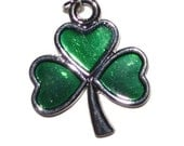 Five Shamrock Pendants Emerald Green Silver Supplies Jewelry Supplies Set of 5 Discount Supplies