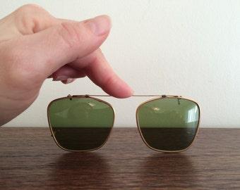 Vintage Polaroid Clip-On Sunglasses Eyeglass Shades Clip ons