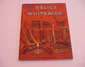 1st Printing 1973~Relics of the Whiteman~Antique Artifacts Picture Photo Price Book by Davis