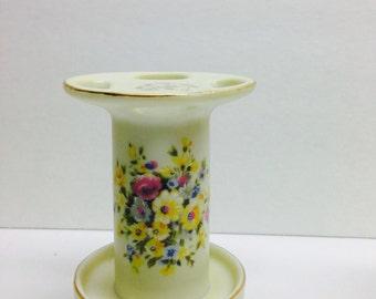 Vintage Lefton China Porcelain Toothbrush Holder Pale Yellow Gold Crown Logo