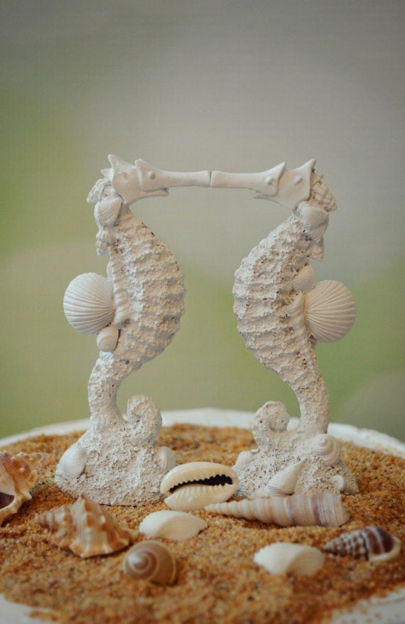 Seahorse Wedding Cake Topper Kissing Couple Beach
