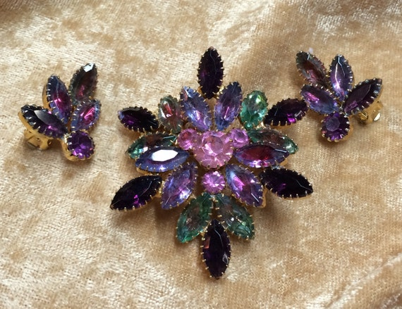 Vintage Colorful Rhinestone Pin & Earrings in Verigated Pinks, Purples and Blues