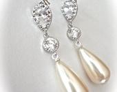 Long pearl drop earrings ~ Brides earrings ~ Sterling silver posts ~ Elegant ~ Vintage pearls ~ Bridal Jewelry ~ Bridesmaids ~ Gift