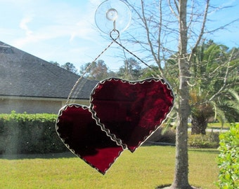 "Scarlet Red Waterglass ""Twin Hearts"" with Twisted Wire Hanger & Decorative Scalloped Foil Border"