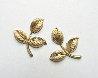 Brass Leaf, Raw Brass Leaf, Leaf Stamping, Brass Finding, Wedding Headpiece Supply, 26mm x 29mm - 4 pcs. (r284)