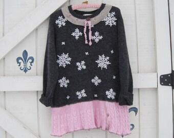 Boho tunic, Sweater tunic, Gray pink, charcoal gray, snowflake sweater, tunic sweater M, winter tunic