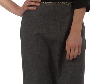 LAST PIECE - grey business-skirt with braid in size S