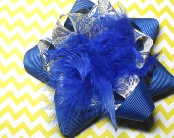 Blue and White Flower Hair Bow Hairbow