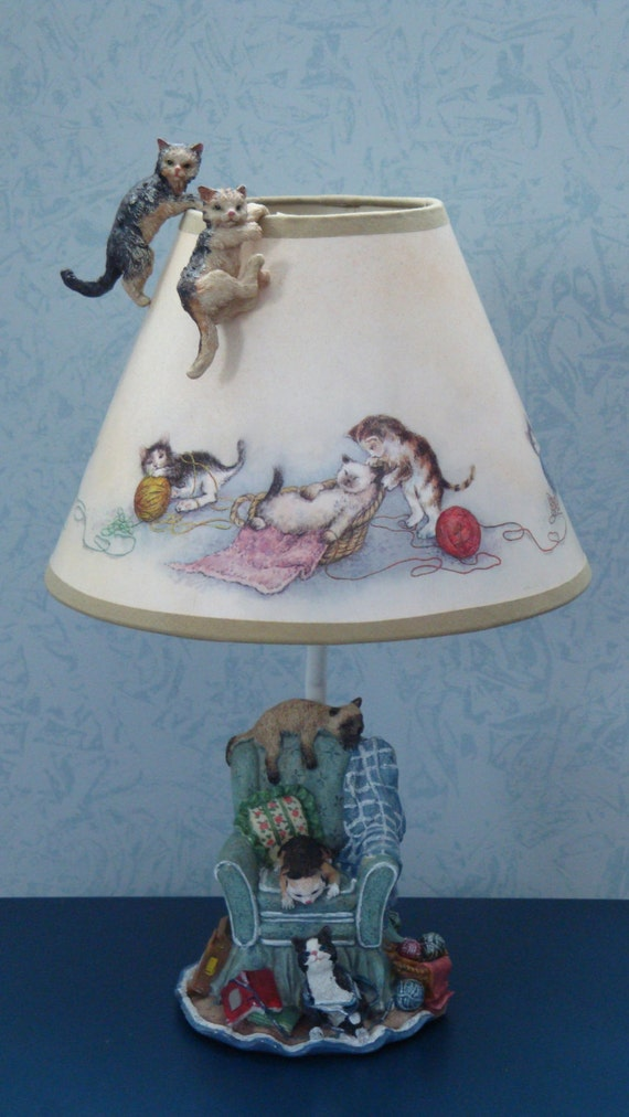 Vintage Feline Cat Table Lamp by CardinalCouple on Etsy