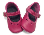 Raspberry pink handmade leather baby Mary Jane shoes.  Soft soled baby girl shoes.