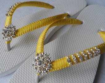 Bright Colors Wedding Flip Flops / Bridal Pearls Sandals /  Color Bridesmaid Shoes / Rhinestone & Pearls Flip Flops..