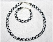 Houndstooth bead crocheted jewellery set black and white necklace and bracelet