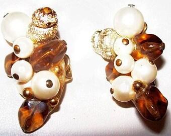"""Designer Amber Pearl Earrings Crown Trifari Gold Metal Acorn Clip On Style 1 1/2"""" Vintage"""