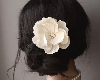 Ivory Champagne Bridal Flower Hairpiece Vintage Wedding Bridal Magnolia Hair Clip Wedding Hair Flower Headpiece Fascinator Pearls Crystals