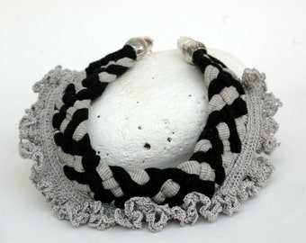 Braided jersey necklace- Textile necklace - Crochet necklace - Choker - Grey and black