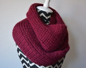 Burgundy Alpaca Knit Scarf / Baby Alpaca Mauve Knitted Cowl / Chunky Infinity Scarf Free US Shipping