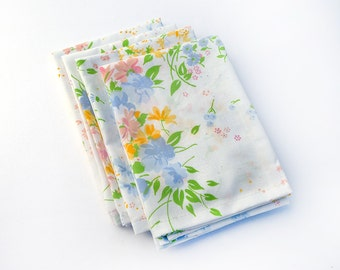 Cloth Napkins- Vintage Floral Cloth Napkins- Set of 4- Limited Edition- SALE- Free Shipping