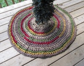 "Homespun Christmas Tree Skirt 43"" Crochet Rag Rug Round Cotton Washable Handmade Red Primitive Decor Holiday Tree"