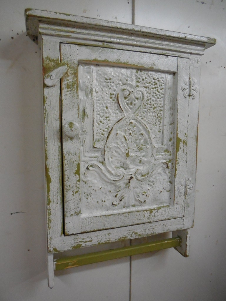 Primitive Medicine Cabinet With Towel Bar By LynxCreekDesigns